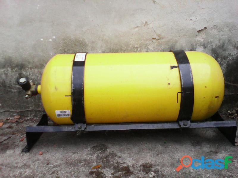 Vendo Bombona de Gas para Vehículos con Regulador y su