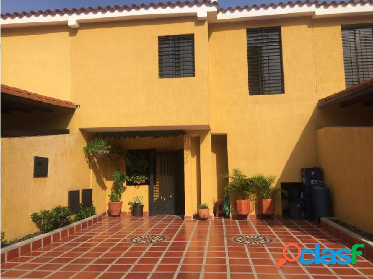 ANCOVEN VENDE TOWN HOUSE EN SAN DIEGO