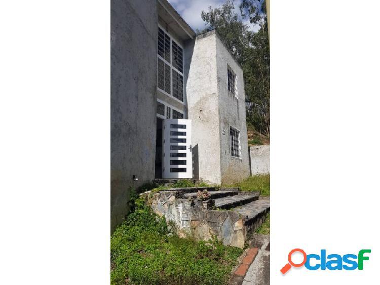 Casa en Urbanizacion Picolt los Teques