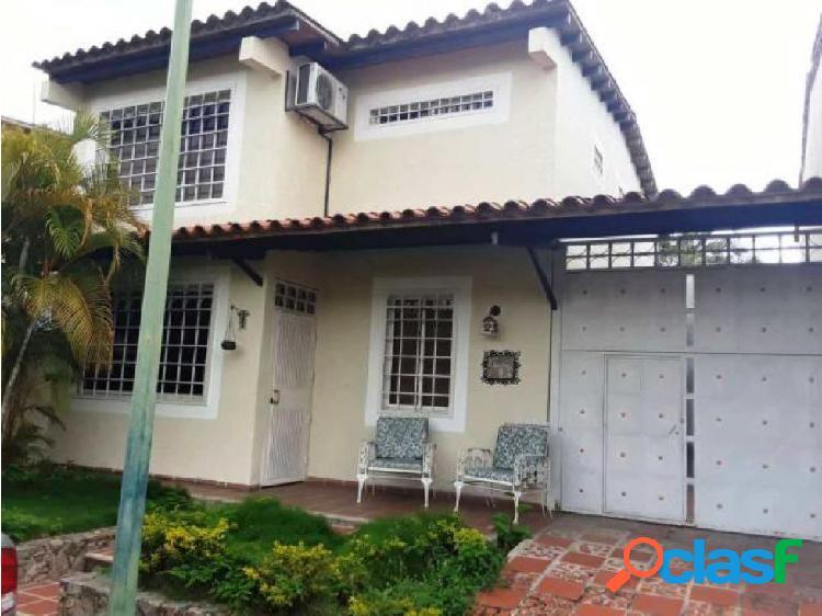 Casa en venta Este de Barquisimeto 20-14203 AS