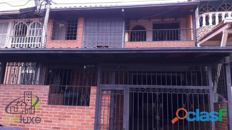 Casa de 110 m2 de construcción en Conjunto Privado, El