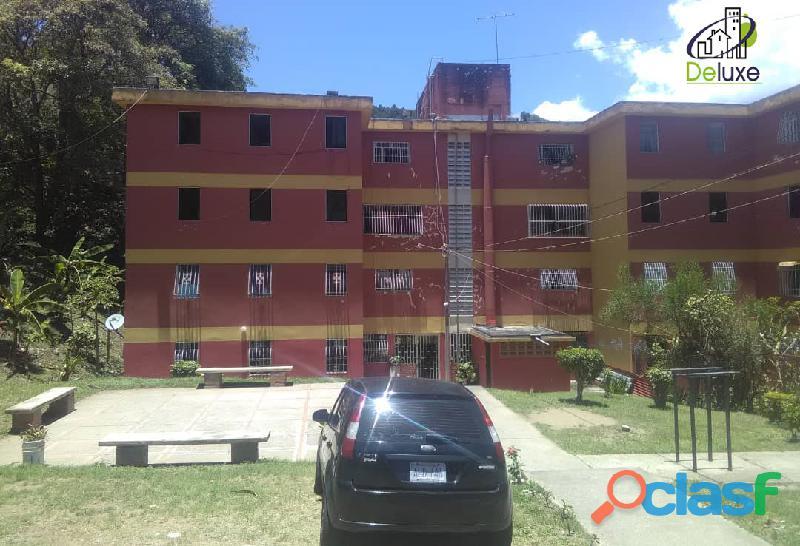 Cómodo Apartamento de 65 m2, ubicado en la Urbanización J.