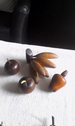 Frutas En Madera Artesanal Cuatro Unidades