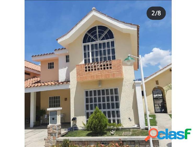 EXCLUSIVO TOWN HOUSE EN VILLA PARAISO SAN DIEGO