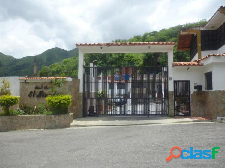 Se vende Casa en La Esmeralda (0424-4404205) opm 20-1456