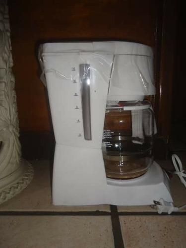 Cafetera Black & Decker Home 12 Tazas