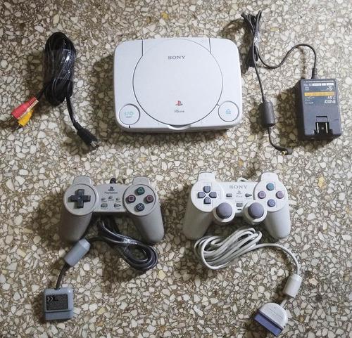 Playstation 1 Slim + 2 Controles