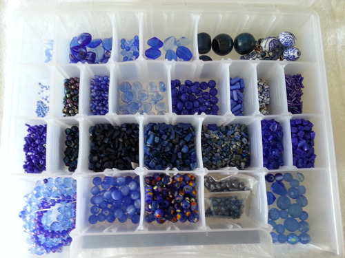 Lote De Material Bisutería En Color Azul Rey. Todo 12 Dls
