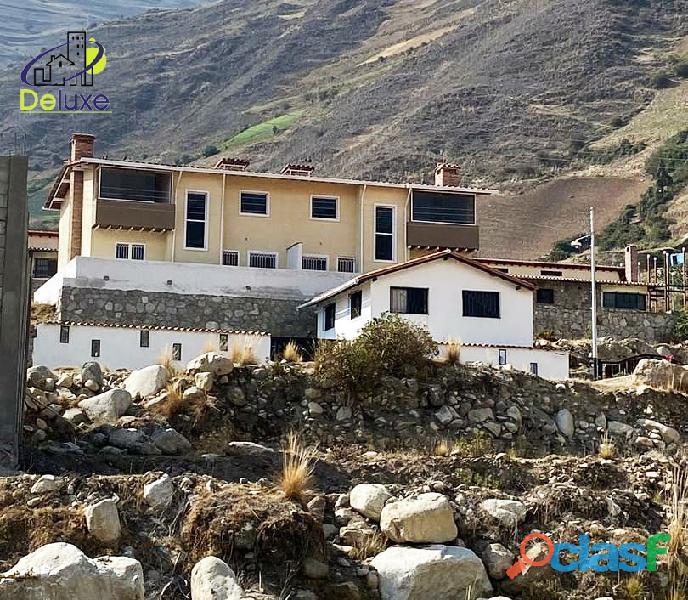 Hermosa Casa con un área de 260 m2 en Sector La Toma de los
