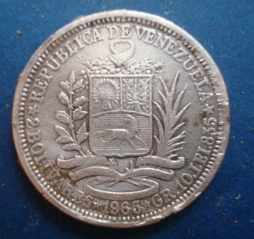 Moneda De Plata De 2 Bolivares Año:  Gramos Ley 835