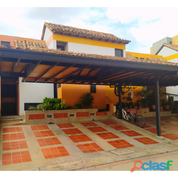 VENTA DE HERMOSO TOWN HOUSE EN MONTE ALEGRE TAZAJAL