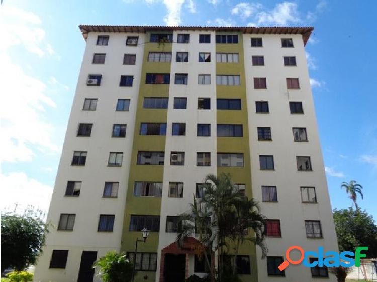 Apartamento en Alquiler Cabudare 20-6253 DL