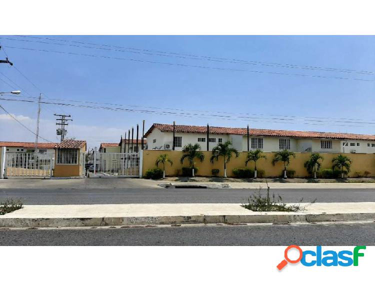 Apartamento en la Urb la Orquidea, prolongacion Av. Aragua.