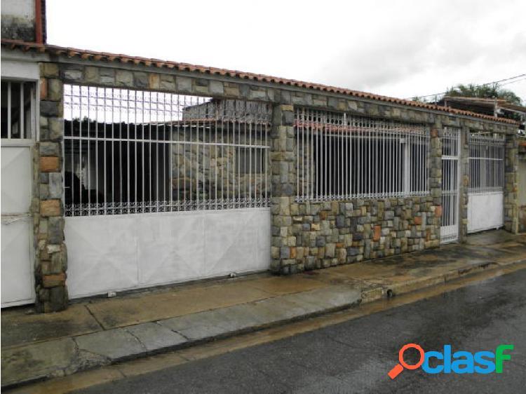 Casa en Venta Los Naranjos Guacara 20-8042 MME