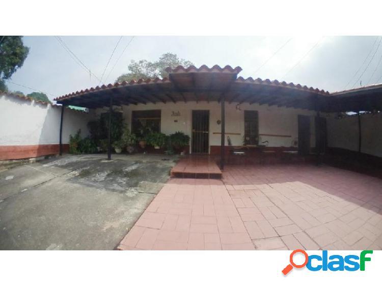 Casa en Venta al Este-Barquisimeto 20-18443 Carlina Montes