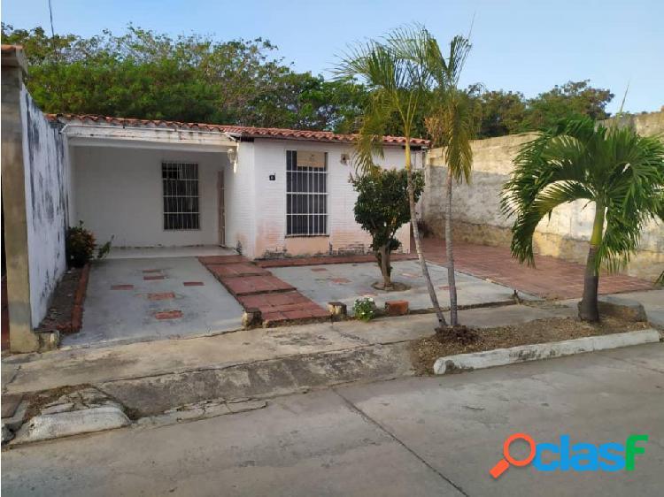 En venta Casa Urb El Guayabal B - San Joaquín