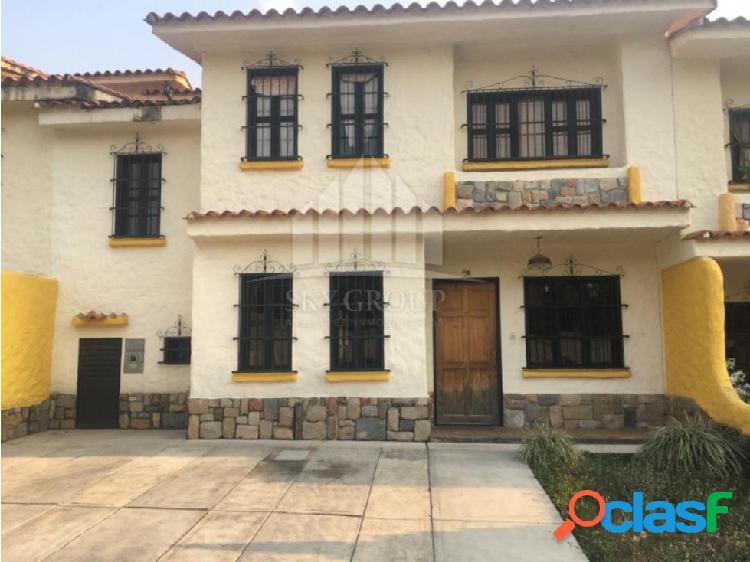 (MATH-183) Town House en Res. La Taparitas sector el Rincon