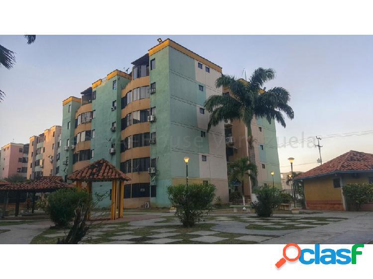 Se vende Apto en Urb. Los Caobos 0424-4404205 20-7463 opm