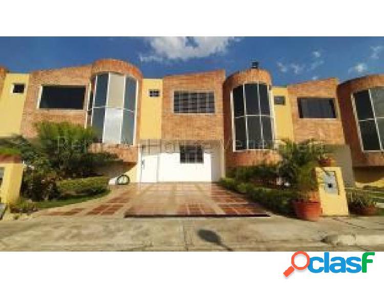 Se vende Townhouse en San Diego #20-9093 OPM 04244404205