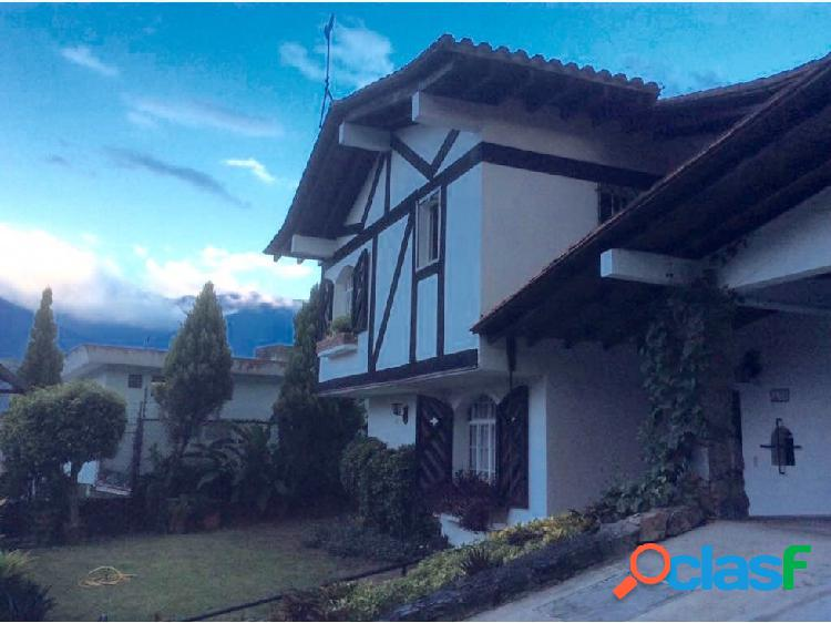 Se vende casa 420m2 4h+s/6b/4p Lomas del Mirador