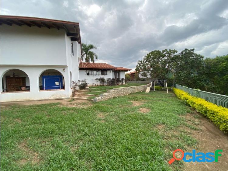 Se vende casa 440m2 3h+s/5b/4p Lomas del Mirador