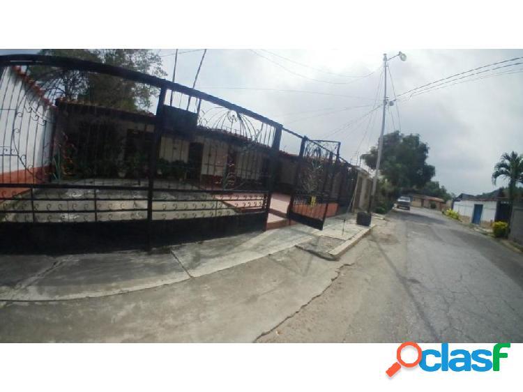 Casa en venta Barquisimeto Las trinitarias 20-18443 AS