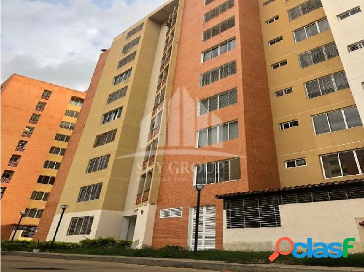 (MAA-1011) Apartamento en Residencias Doral Country,