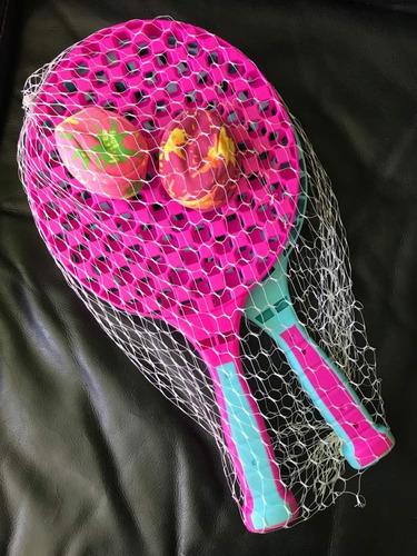 Raquetas De Plástico (2) Y 2 Pelotas De Tela Juguete Nuevo