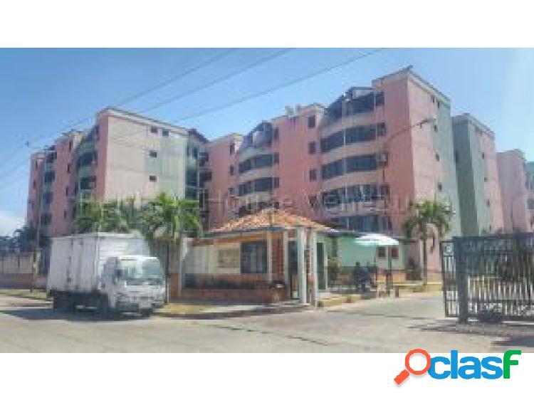 Se vende Apto. en Los Caobos #20-7463 OPM 04244404205