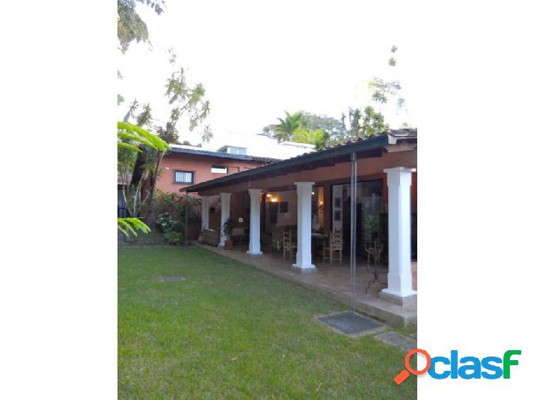 Se vende casa 437m2 4h/5b/6p Oripoto