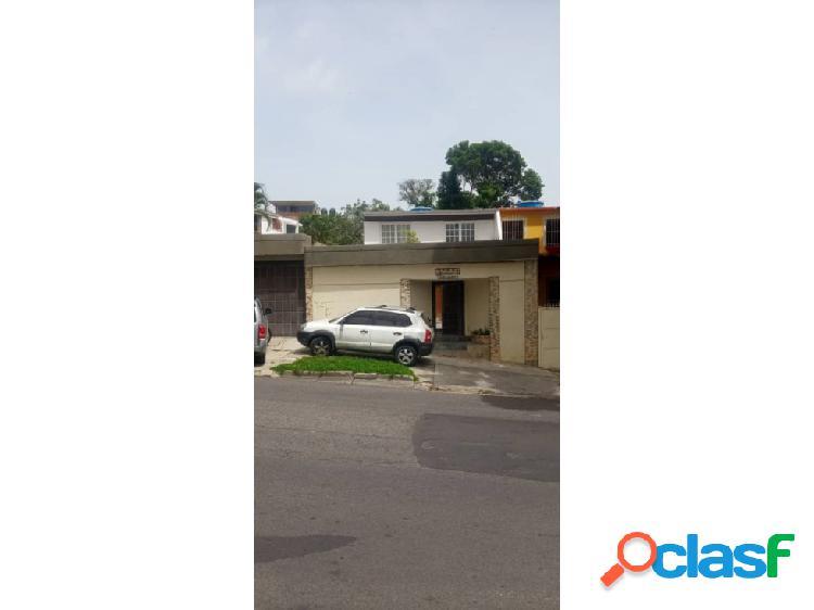 Se vende casa 500m2 4h/4b/5p El Cafetal