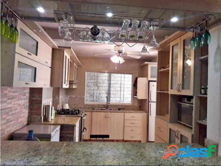 Vendo TOWN HOUSE en San Diego resd Lirial
