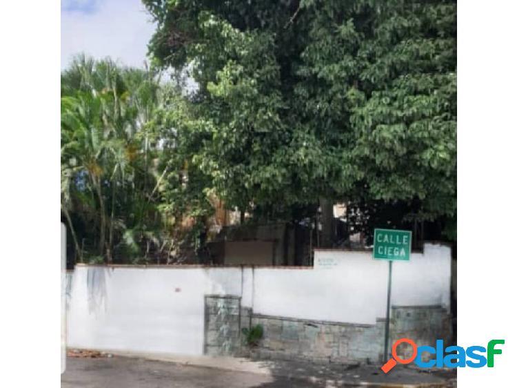 Se vende terreno comercial 680m2 Campo Alegre