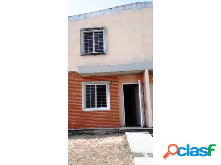Townhouse a ESTRENAR en Conjunto Residencial Tierranueva,