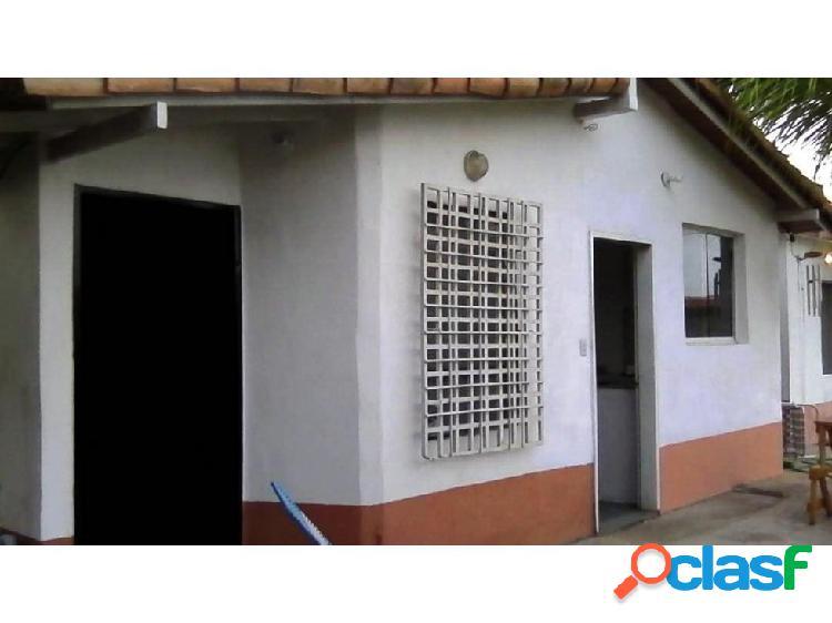 EY RAH 20-5587 CASA EN VENTA EN CABUDARE