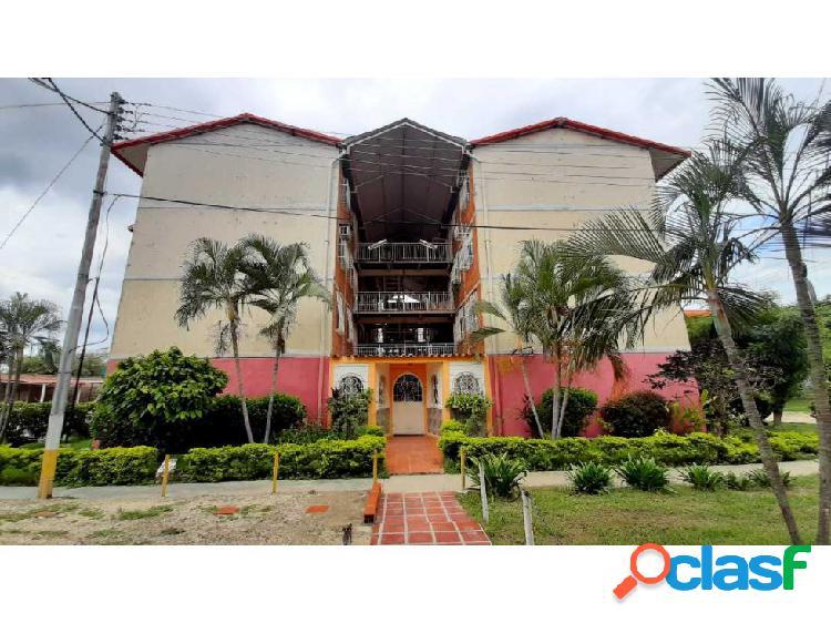 Apartamento Conjunto Res. El Lago II, Maracay