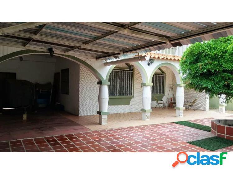 Casa en Venta en Carora Estado Lara, AL 20-3576