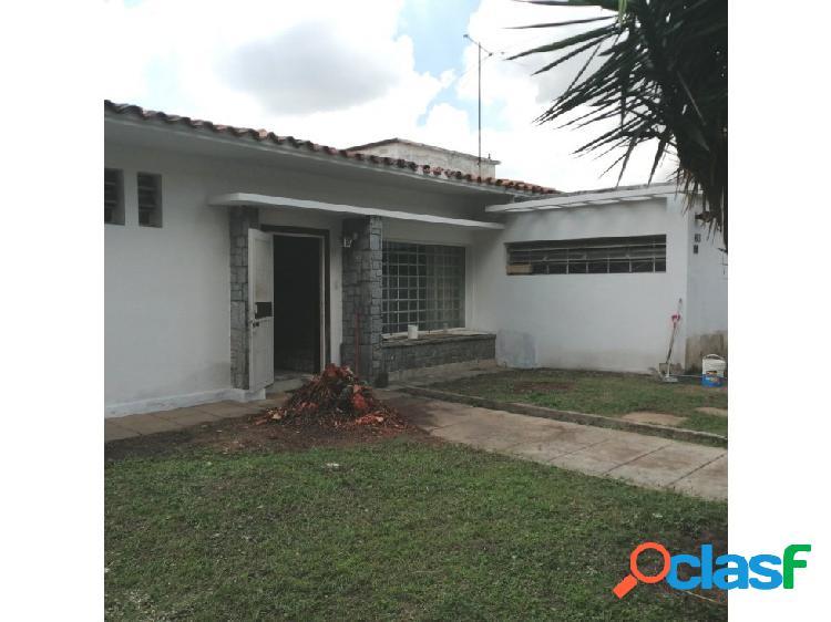 Se vende casa 500m2 3h+s/3b+s/3p Las Palmas