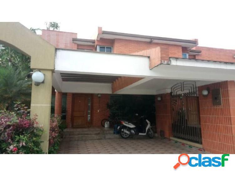 Townhouse en Mañongo 20-8347 RAGA