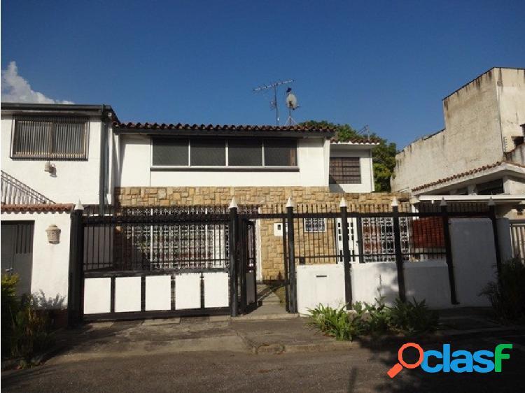 Se vende casa 250m2 4h/3b/1p Santa Cecilia