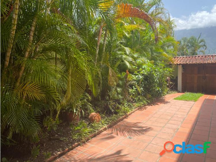 Se vende casa 450m2 4h/5.5b/5p Lomas del Mirador