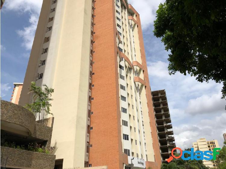 Apartamento en Las Chimeneas 20-22299 RAGA
