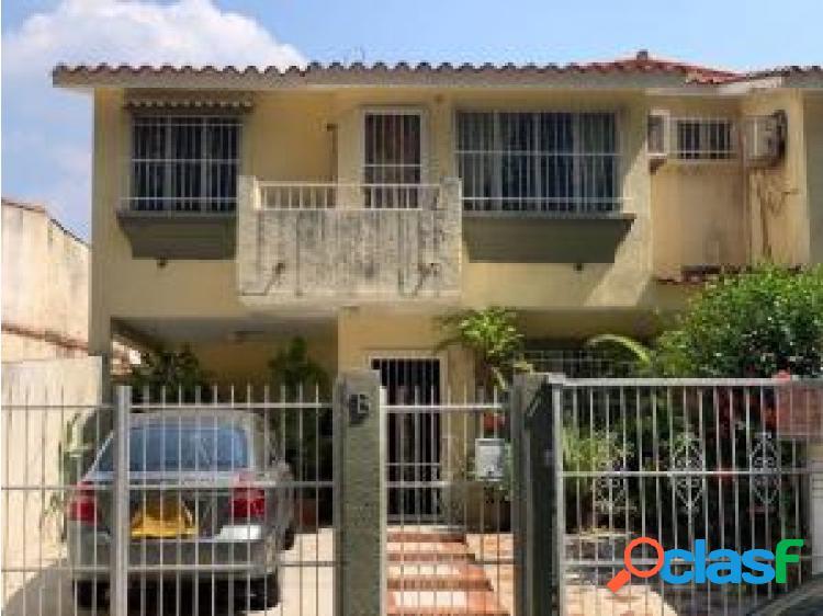 Casa en Venta en El Parral Valencia Cod 20-19723 OPM