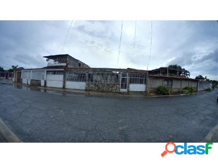 Casa en venta en La Floresta Guacara 20-8042 P1JJL