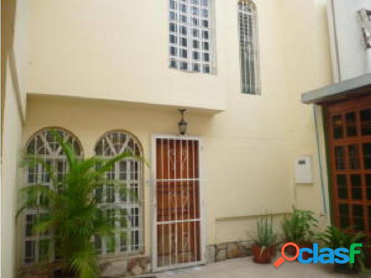 En venta casa en El Bosque 20-8388 OPM