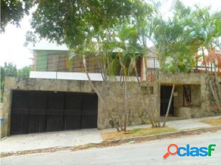En venta casa en El Parral 20-10274 OPM