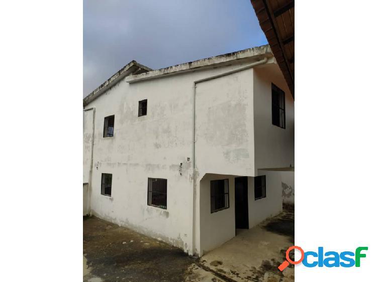 Los Teques Casa Dos Niv Urb Contry Club Vía Lagunetica