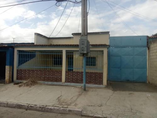 En Venta Casa En Barrio Bocaina Valencia Edo. Carabobo