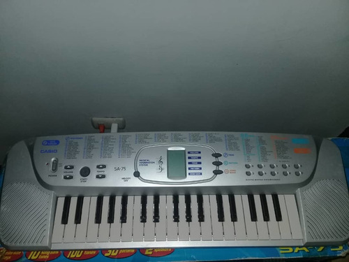 Piano Casio Sa.-75