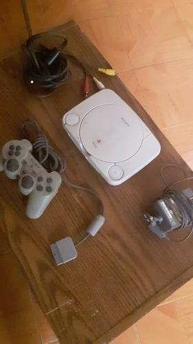 Playstation 1 Slim, Con Control Y Cables.